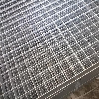 image de Plate-forme de caillebotis galvanisée pressée